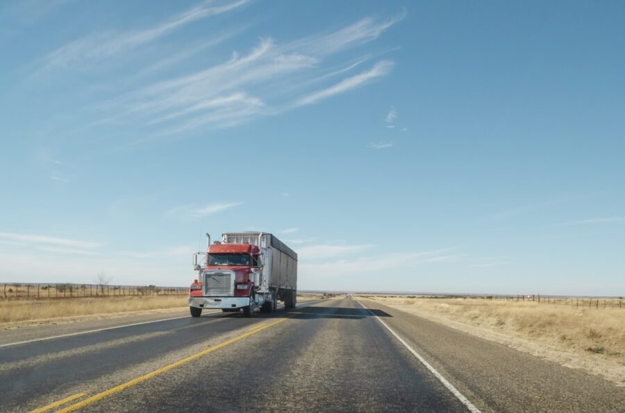 camion en carretera